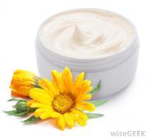 mosturizing-cream